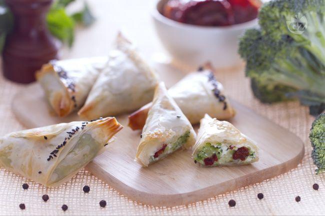 Ricetta triangolini di pasta fillo con broccoli e ricotta