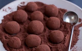 Ricetta tartufi al cioccolato fondente olio di oliva e sale di maldon ...