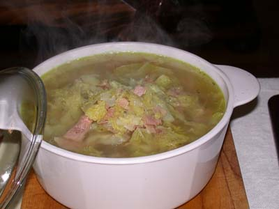 Zuppa di cavoli, ceci e cicoria