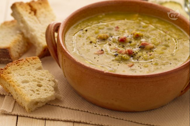 Ricetta zuppa di piselli spezzati