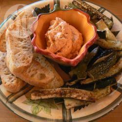 Antipasto di zucchine grigliate e mousse di peperoni dolci