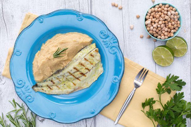 Ricetta ombrina alla scottadito su crema di ceci e rosmarino