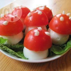Funghetti di uova e pomodoro
