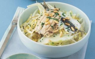 Ricetta sarde marinate con insalata d'indivia, finocchio e pinoli ...