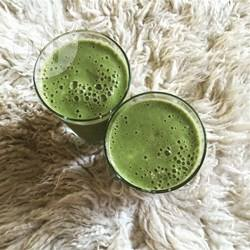 Frullato verde proteico senza lattosio e senza zucchero