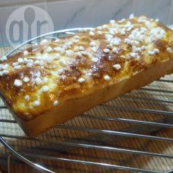 Pan brioche facile con granella di zucchero