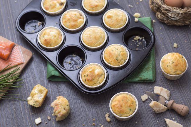 Ricetta muffins con feta e salmone