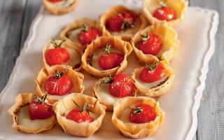 Ricetta tartelette con pomodorini canditi al rosmarino