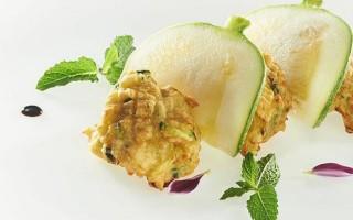 Ricetta frittelle soffici di zucchine, menta e pecorino