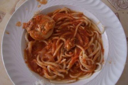 Ricetta pasta con le seppie in rosso