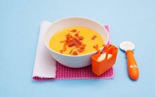 Ricetta vellutata di zucca al latte con parmigiano e briciole di crudo ...