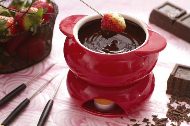 Ricetta fonduta al cioccolato con fragole