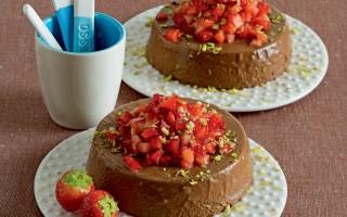 Ricetta bavaresi al cioccolato con tartara di fragole