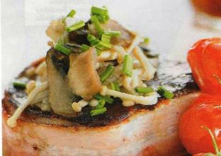 Filetti con funghi e rostì di patate