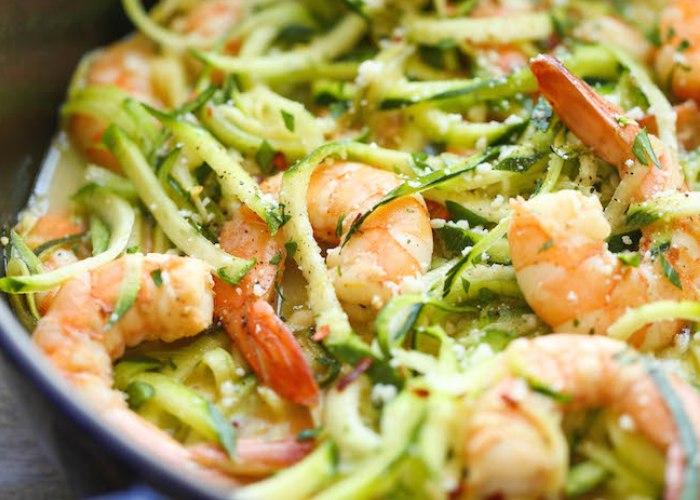 Tagliatelle di zucchine con gamberetti