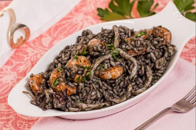 Ricetta risotto al nero di seppia con gamberi