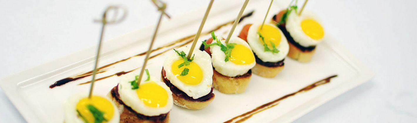 Ricetta crostini con uova di quaglia