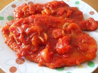 Ricetta pollo con pinoli, pomodori e pancetta
