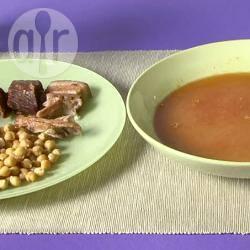 Cocido madrileño (stufato di carne e ceci spagnolo)