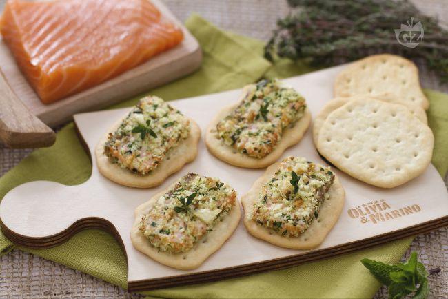Ricetta salmone croccante su schiacciate