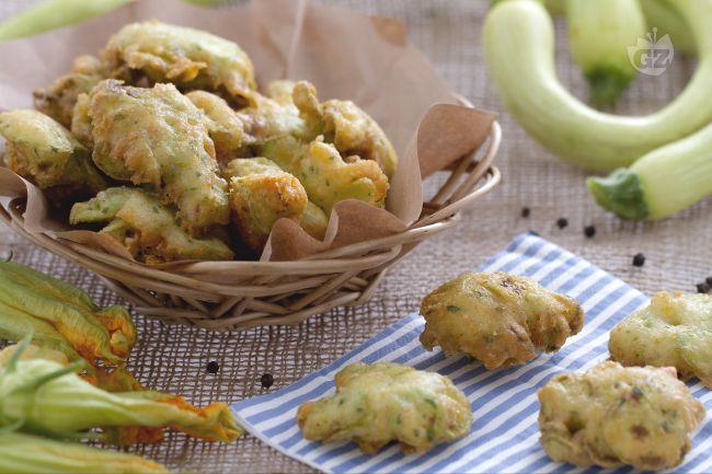 Ricetta frittelle di zucchine trombetta e suoi fiori