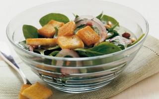 Ricetta insalata di spinaci all'uvetta