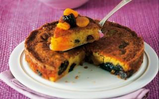 Ricetta torta di albicocche e prugne secche