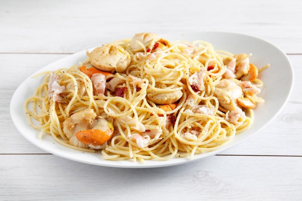 Ricetta spaghetti di farro con pancetta e capesante