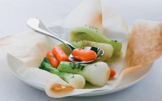 Ricetta finocchi, cipollotti e carote al cartoccio