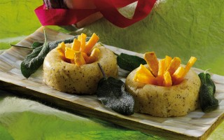 Ricetta ciambelline di polenta nera con zucca e salvia fritte ...