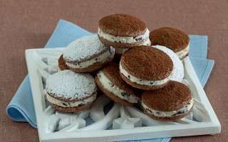 Ricetta biscotti al cioccolato farciti di ricotta