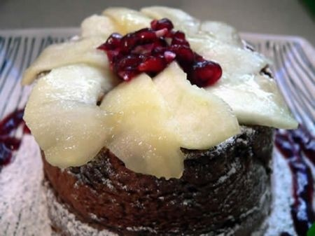 Ricetta tortine al cioccolato con mela e melagrana