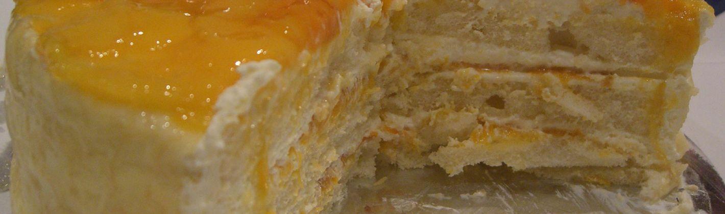 Ricetta semifreddo di pan di spagna con pesche