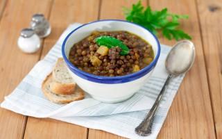 Ricetta zuppa di roveja con zucca, salsiccia e cumino
