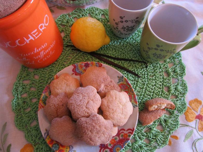 Biscotti al profumo di vaniglia e limone