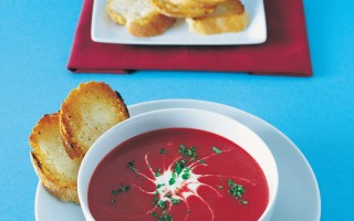 Ricetta zuppa di barbabietole