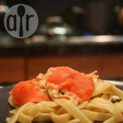 Tagliatelle al salmone affumicato e asparagi