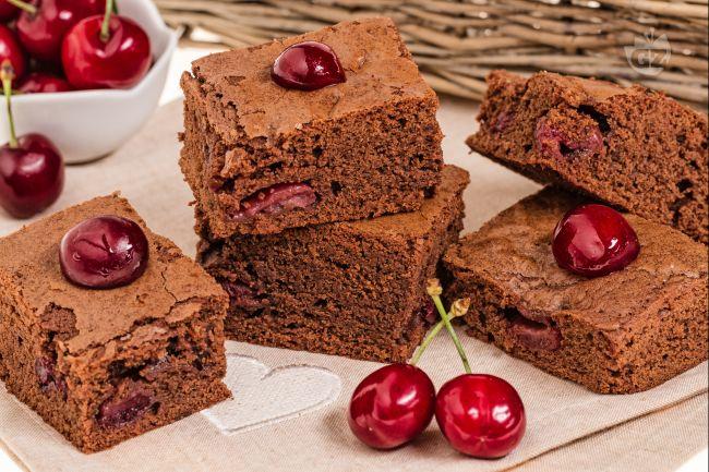 Ricetta torta di cioccolato e ciliegie