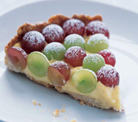 Ricetta torta all'uva con crema alla vaniglia