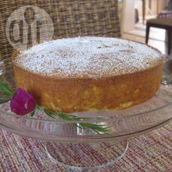 Torta di semolina all'arancia e mandorle