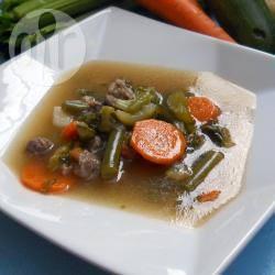 Zuppa di verdura e carne