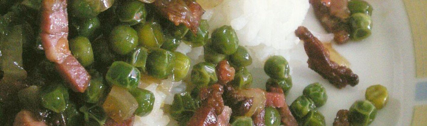 Ricetta riso con piselli e pancetta croccante