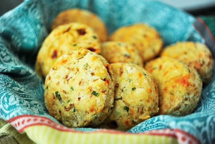 Biscotti al formaggio piccanti