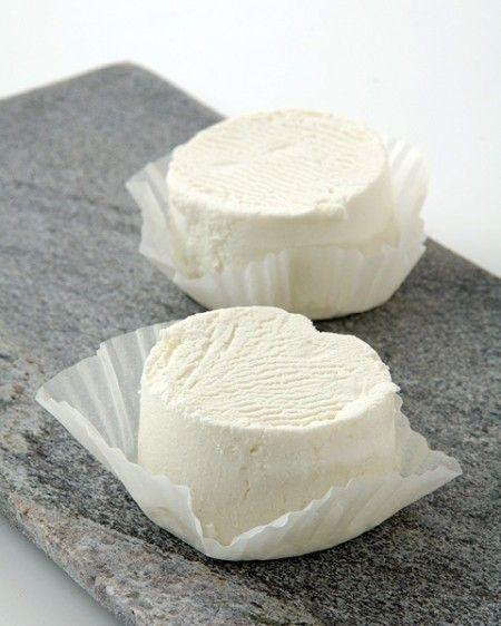 Ricetta insalata con formaggio caprino caldo