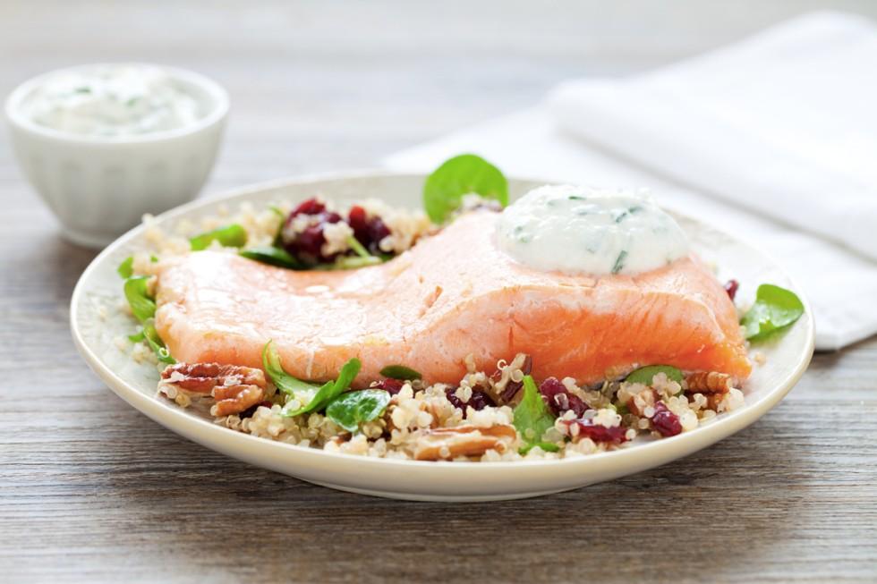 Ricetta filetto di salmone con insalata di quinoa