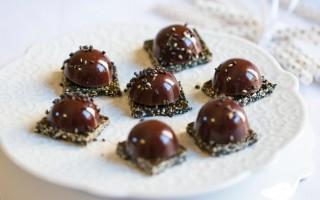 Ricetta cioccolatini fondenti con ganache al sesamo