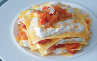 Ricetta lasagnette con peperoni, bottarga di tonno e burrata ...