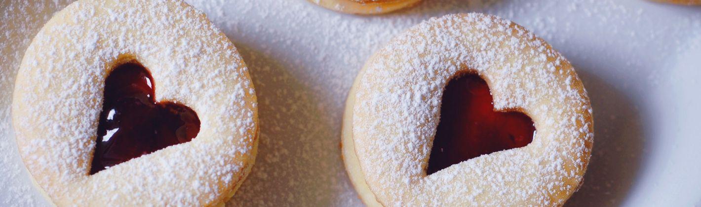 Ricetta biscotti di natale con la marmellata