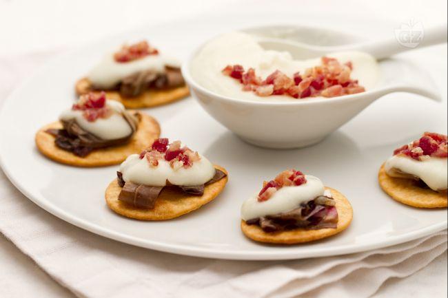 Ricetta spianatine con crema di asiago, radicchio e pancetta