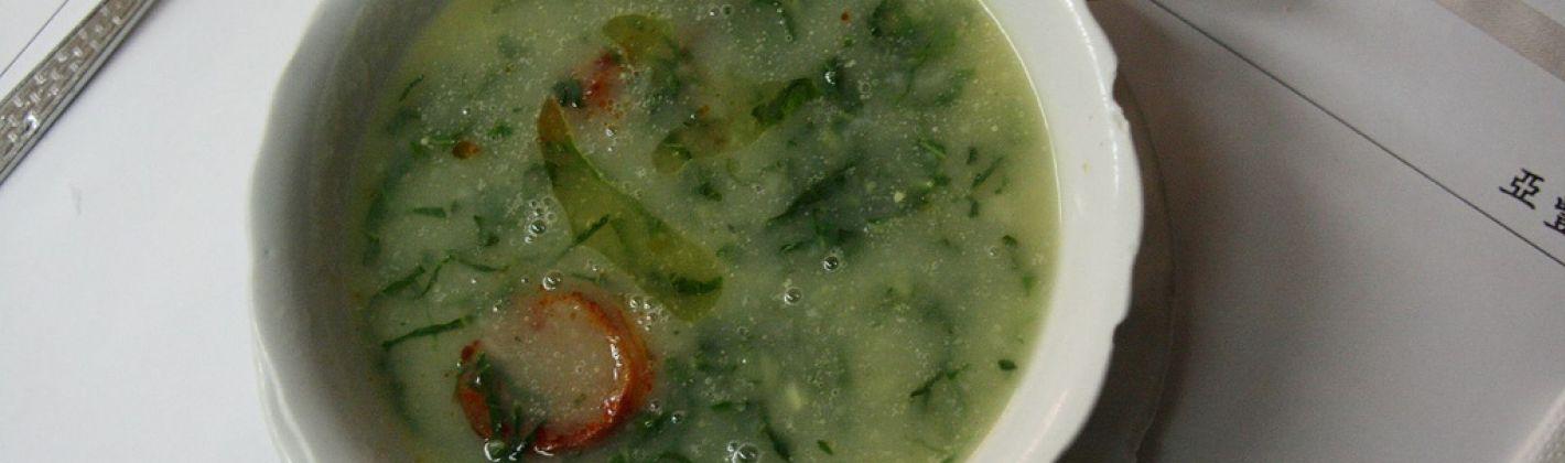 Ricetta caldo verde (zuppa di cavolo)